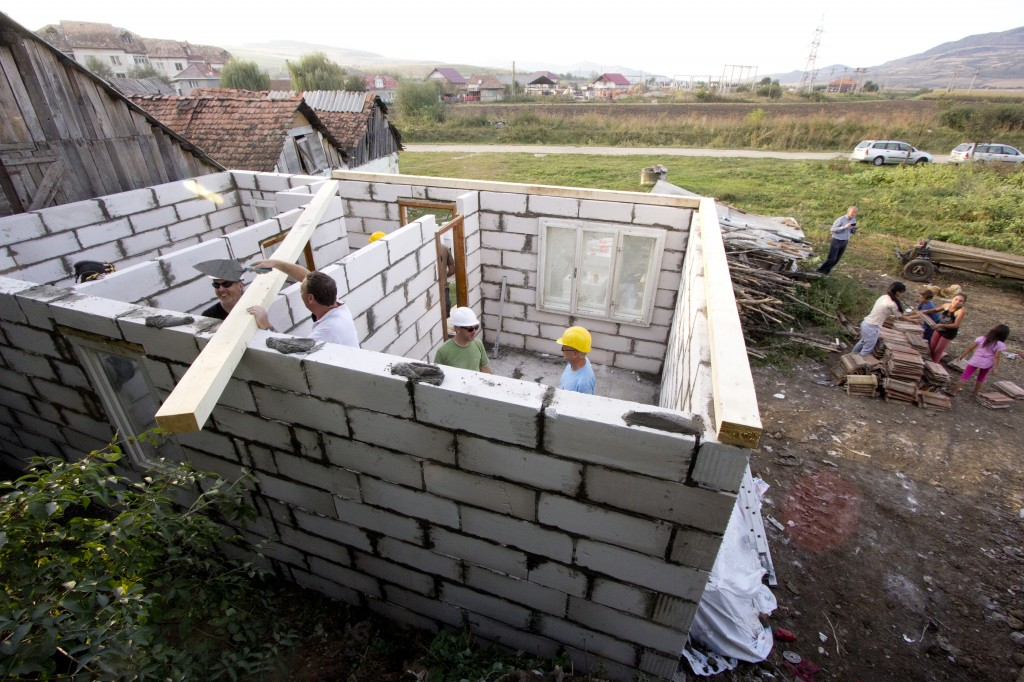 Laying the wall plate in the second house